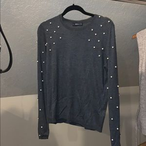 Gray sweater with pearls